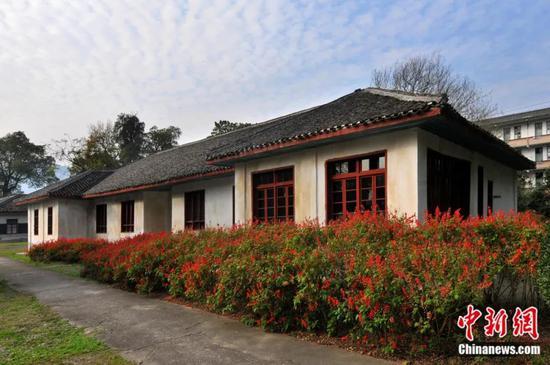 袁隆平曾工作和生活过的安江农校(湖南怀化)。杨锡建 摄