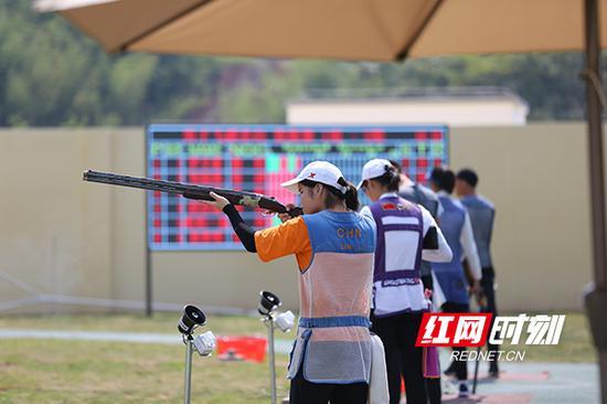 梦东方射击(飞碟)中心共有5个飞碟靶房,省运会期间将开放3个飞碟靶房进行比赛。