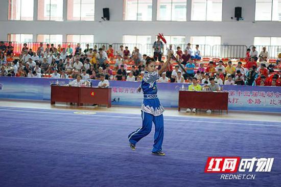 湖南省第十三届运动会青少年组武术(套路)比赛在祁东县文武体育学校举办。