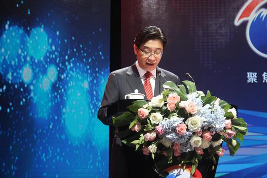 衡阳市委副书记、市长邓群策主持开幕式。