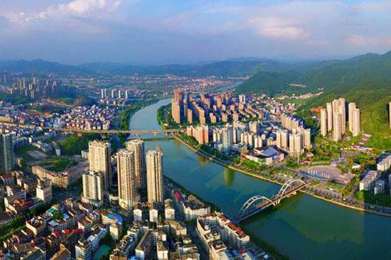 如今已经变成全国百强县的浏阳市新貌