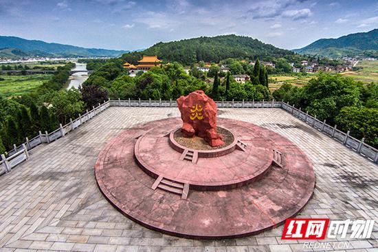 炎帝陵圣火台景观。