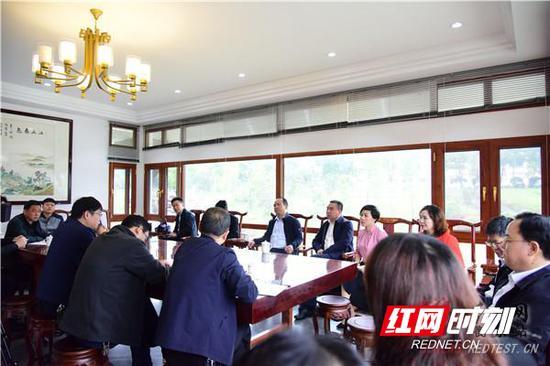 筹备组在陈少梅美术馆听取工作筹备情况汇报。