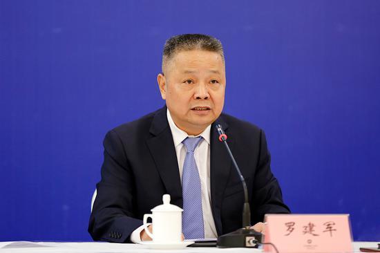 湖南省政府办公厅巡视员、组委会秘书长罗建军