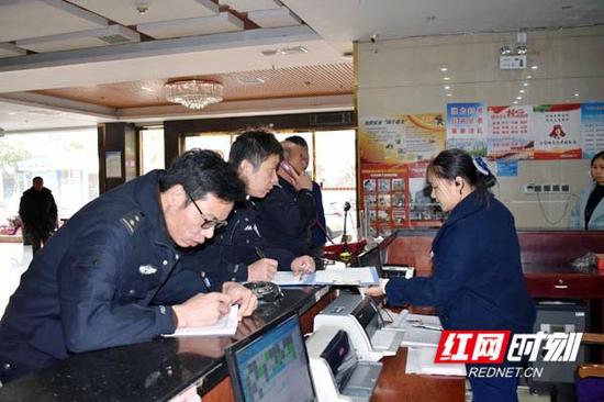 嘉禾县开展休闲娱乐相关场所毒黄赌问题整治专项督导现场。