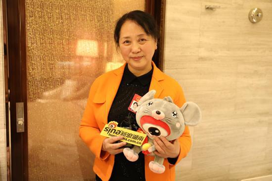 湖南省人大代表、省人大内务司法委员会委员、省政府驻上海办事处党组书记、主任魏旋君