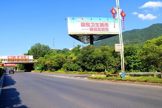 郴州大道大型立柱