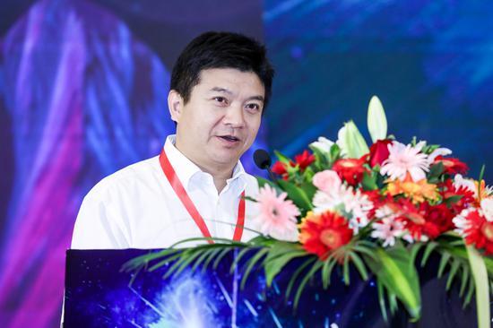长沙市人民政府副市长邱继兴出席致辞。