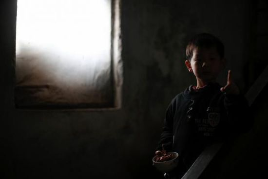 只有4万余人的大浦镇,血铅超标的儿童数量竟超过300人。 杨一 澎湃资料