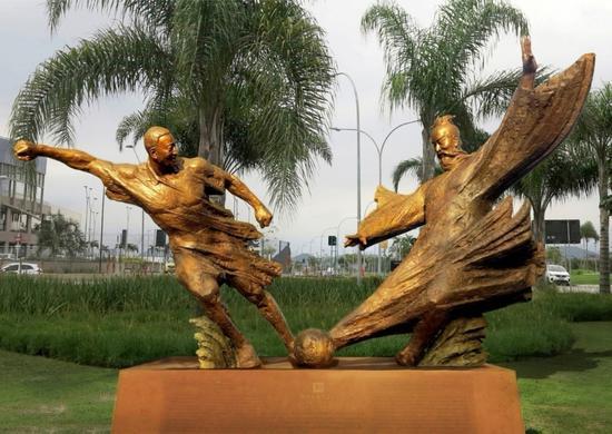 《中巴足球友谊赛》 作者:黄剑