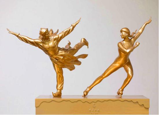 北京冬奥会主题雕塑《百年冰嬉》