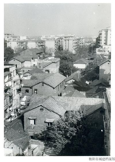 1980年时期衡阳市内住房环境。(图为衡阳市城建档案馆提供)