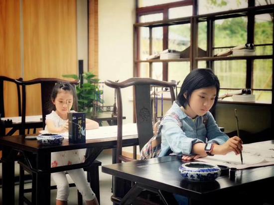 三书四艺行飞花令,诗与传统文化流溢在孩子们的指尖心口