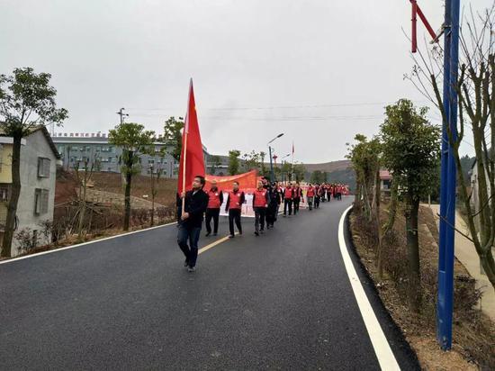 樟木乡开展徒步禁毒宣传