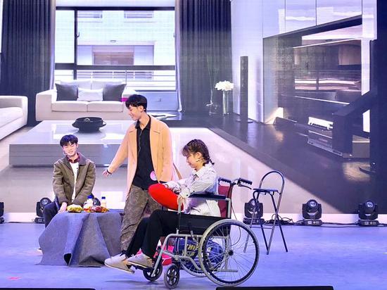 16号选手:湖南涉外经济学院任凯表演话剧《无名之辈》片段