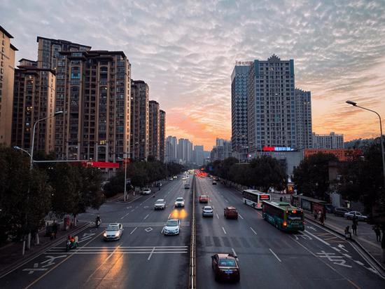 傍晚的郴州城。(樊师傅/摄)