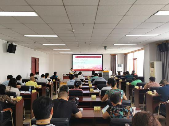 全省新的社会阶层人士骨干培训班在省社会主义学院开班。
