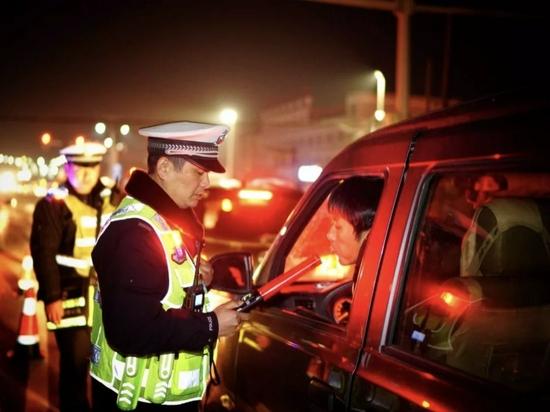 @湖南司机,明天起连续 10 天集中整治酒驾醉驾!一旦发现,罚款、拘留、直播曝光