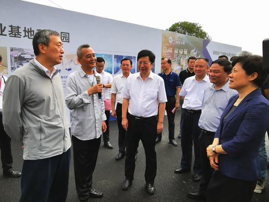 湖南省委常委、长沙市委书记胡衡华出席活动 摄影肖霜霜