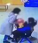 娄底一幼儿园教师虐打孩子