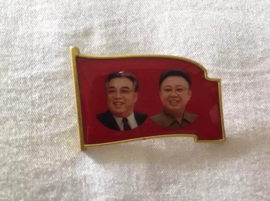 朝鲜领导人像章