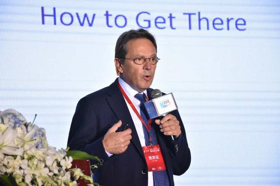 德国工业4.0专家乌尔里希•森德勒发表主题演讲