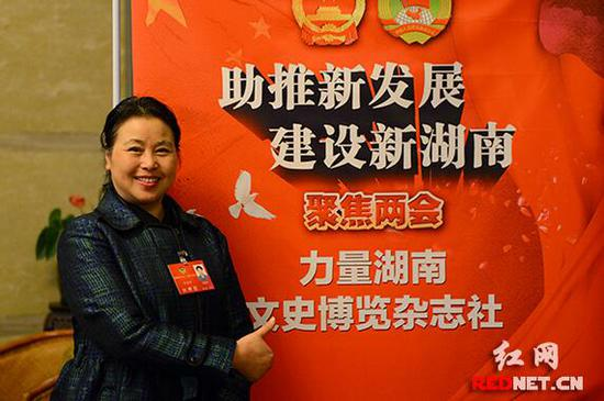 湖南省政协委员曾洁玲。