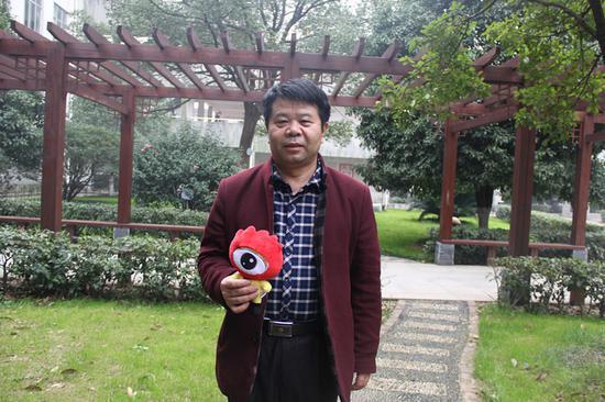 南雅中学高中语文教研组组长陈建平。