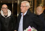 里皮率国足教练组抵达长沙