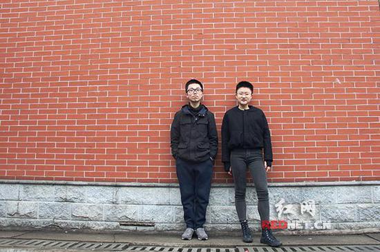 他们热爱艺术与设计,谭宋雅琪[右]已被美国罗德岛设计学院录取,唐斯晨[左]亦正在申请。