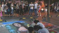 长沙街头艺人和他们的40℃霓虹灯下的生活