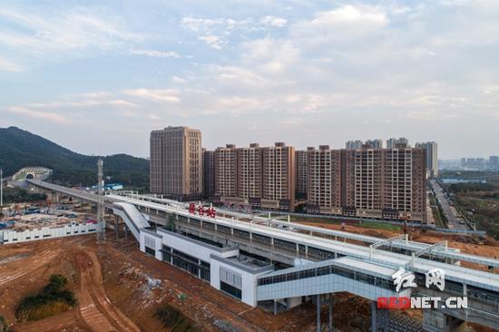 航拍长株潭城际铁路唯一高架站