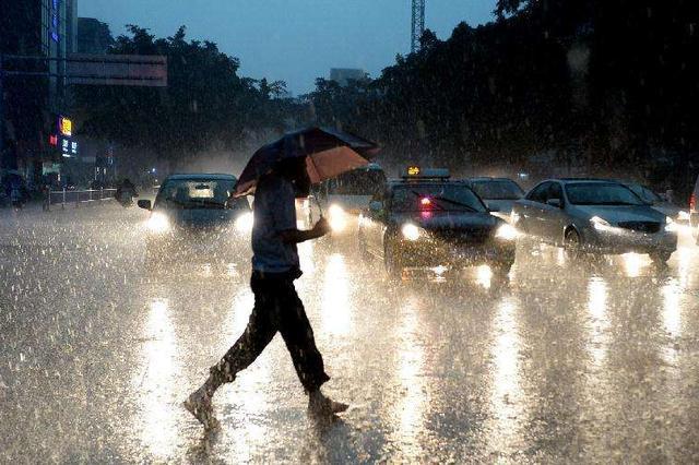 强降雨袭湘 省市县三级防办17日起启动防汛应急值班