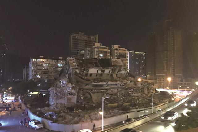 """告别""""老时光""""!闲置11年的长沙维多利亚购物中心拆除"""