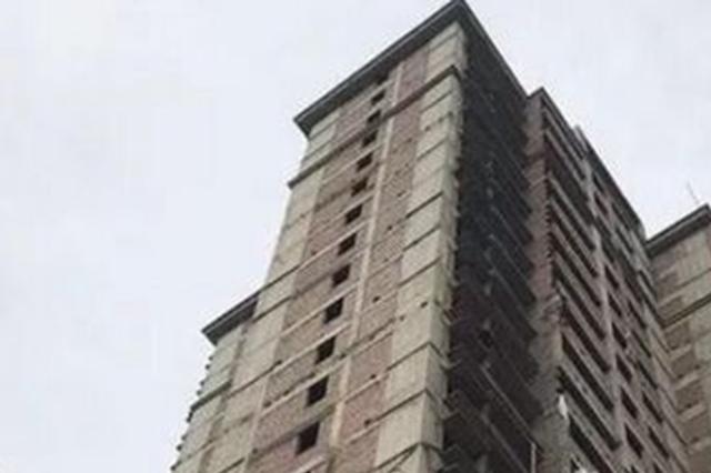 株洲县一楼盘4年了还不能交房 售楼部人去楼空