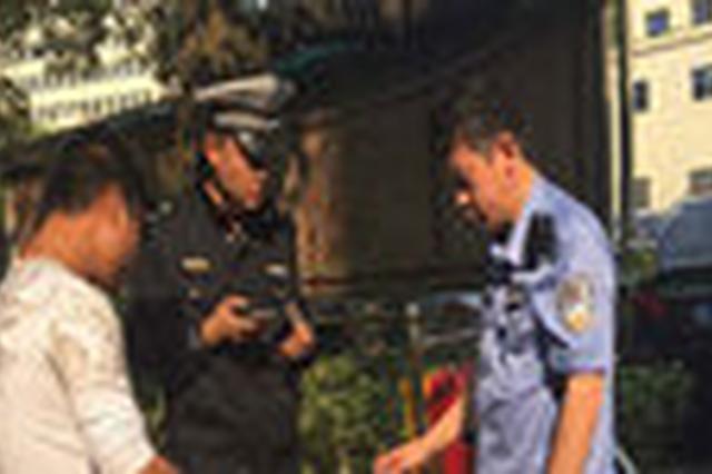 """长沙交警整治""""飙车族""""1小时查扣8台非法改装摩托车"""