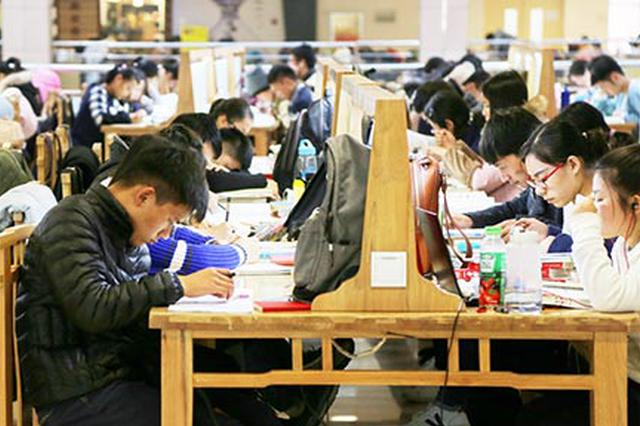 """互帮互助 吉首大学12名""""闺蜜""""考研全中榜"""