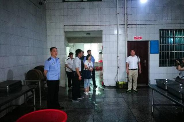 """湘西花垣加强警力 确保""""两考""""期间师生安全"""