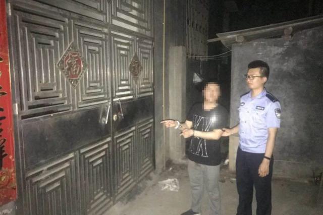 郴州一男子趁单元楼门未关抢劫 抢完被困门内终被抓