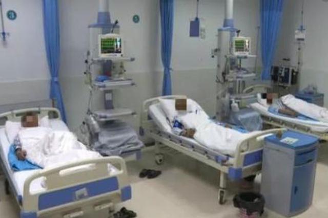 郴州一晚接四名蛇伤患者 夏季来了谨防蛇出没