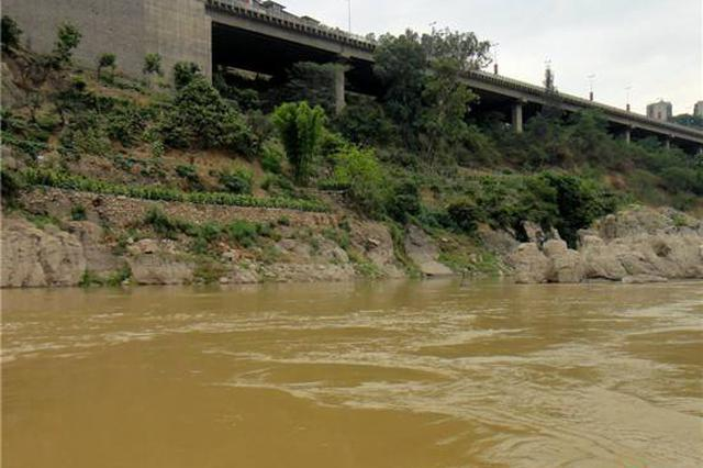 湖南邵阳市城区普降暴雨 一小学女生被洪水冲走