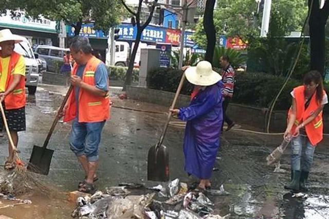 强降雨致邵阳多地受灾 各级部门积极投入抢险