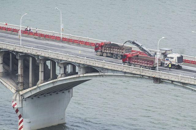 """长沙""""三桥两隧""""解除限行 橘子洲大桥下周半封闭施工"""