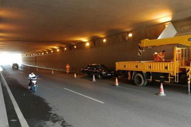 11月中旬株雷路大修工程有望完成路面摊铺