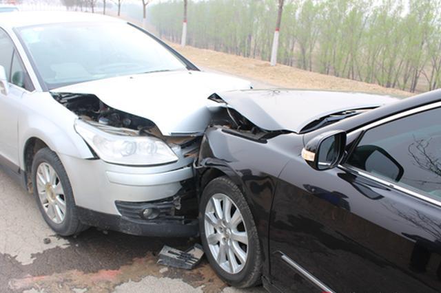 岳阳一小车和摩托车相撞 两司机醉驾相撞双双获刑