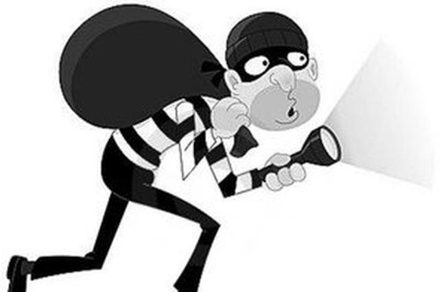 土蜂蜜价格走高 湘西一窃贼眼馋流窜偷蜂桶被抓