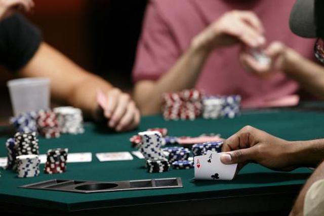 邵阳三男子沉迷一家族群赌博 每人赌资高达百万元