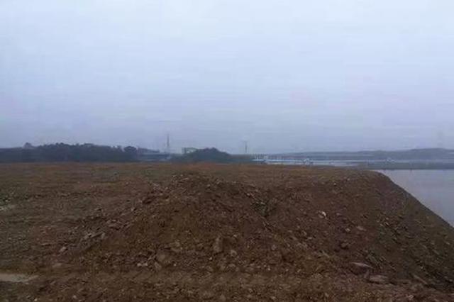 湖南岳阳一化工园区环保管理粗放、违规占用湖泊