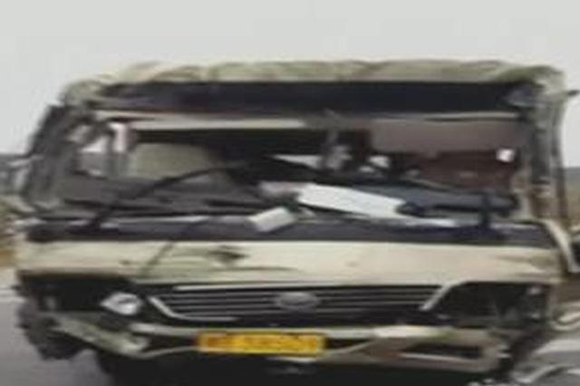 宁乡一旅游大巴与货车相撞 13名乘客受伤送医