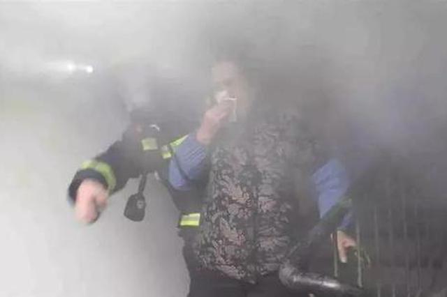 兵贵神速!岳阳消防6分钟赶至场救出4名老人